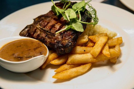 Bistro on Blackwall at Easts Woy Woy Leagues Club - Restaurant Find