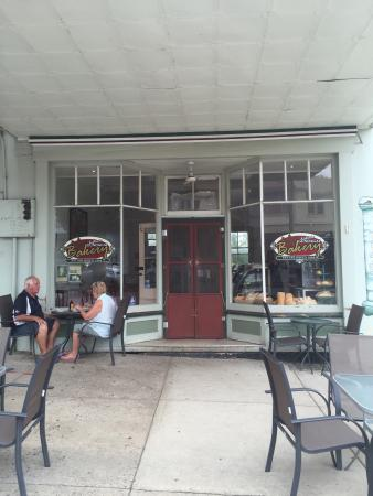 Gundagai Bakery - Restaurant Find