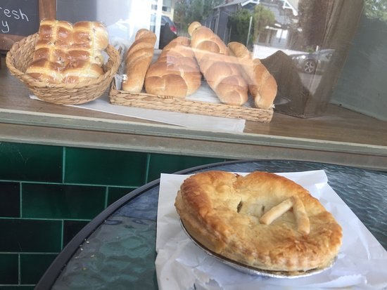 Denman Pie Shop Bakery - Restaurant Find