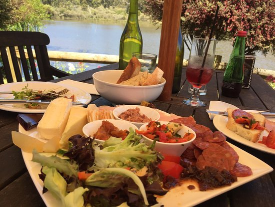 The Lake House Restaurant - Restaurant Find