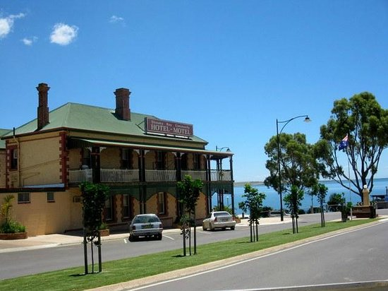 Streaky Bay Hotel - Restaurant Find