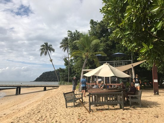 Sunset Bar Dunk Island - Restaurant Find